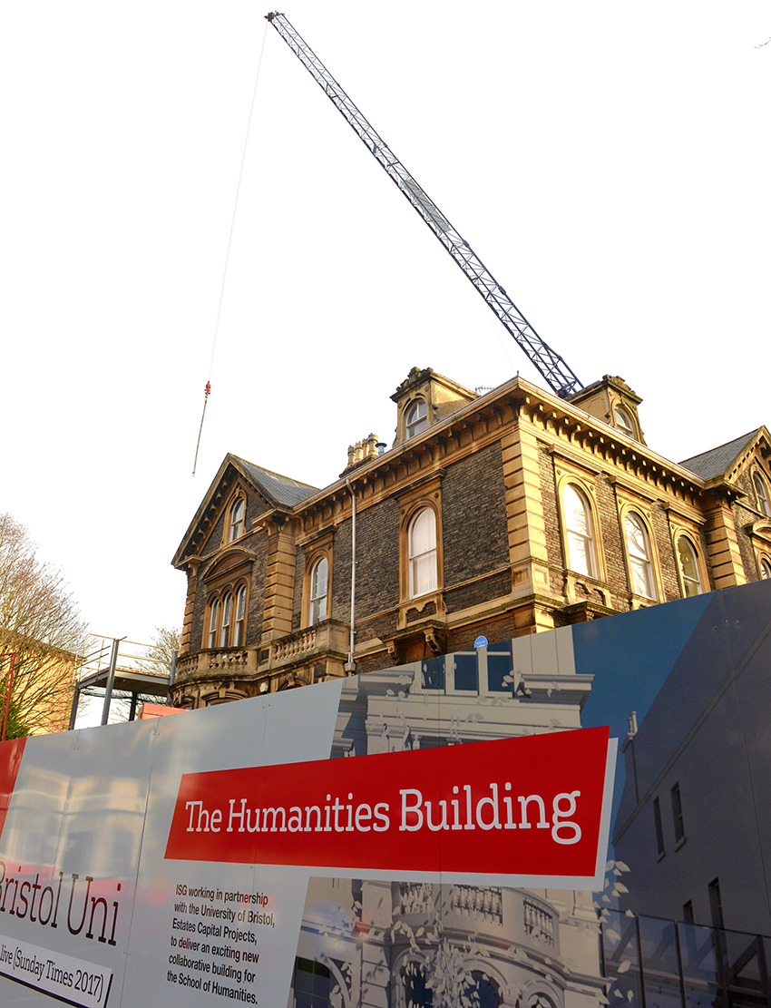 Bristol University Humanities hub crane supplied by Bennetts